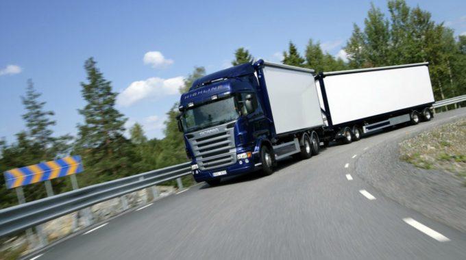 Lonas Para Camiones: Usos Y Características | Toldos Porriño