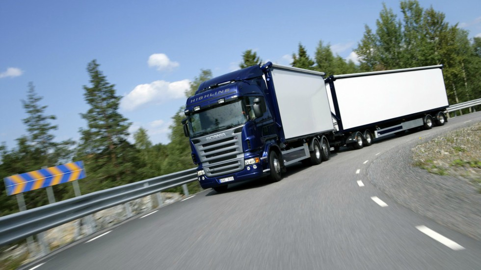 Lonas Para Camiones: Principales Usos Y Características